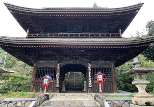 ぶどう寺の門