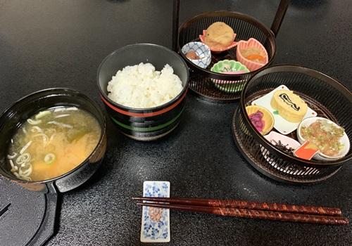 覚林坊の朝食
