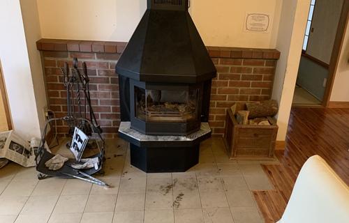 部屋の暖炉