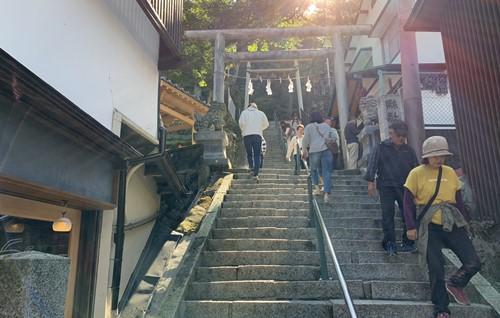 伊香保神社手前の階段