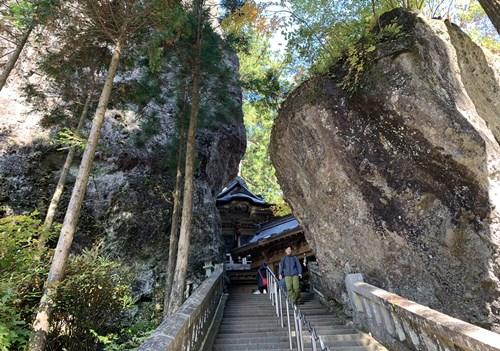 巨岩の階段