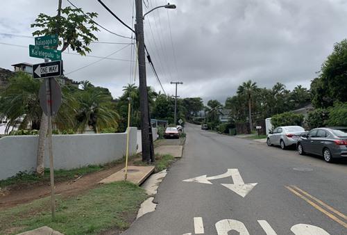 バス停からピルボックスへの分岐
