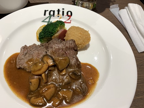 ディナーの牛肉