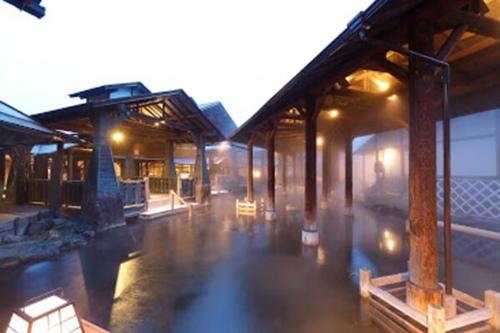与市の露天風呂