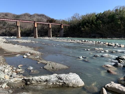 上長瀞の川辺