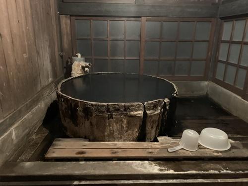 大朗館の樽風呂