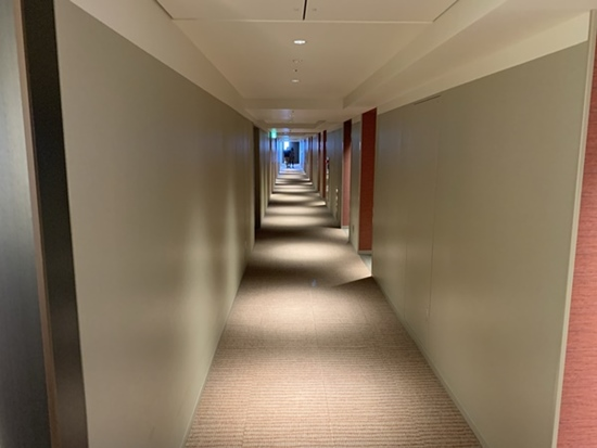 部屋までの廊下